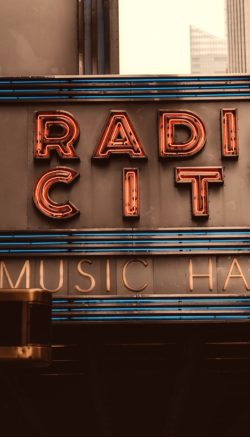 radio-city-music-hall-2392559_1920