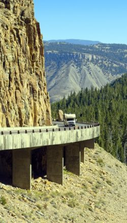 golden-gate-canyon-road-3872370_1920